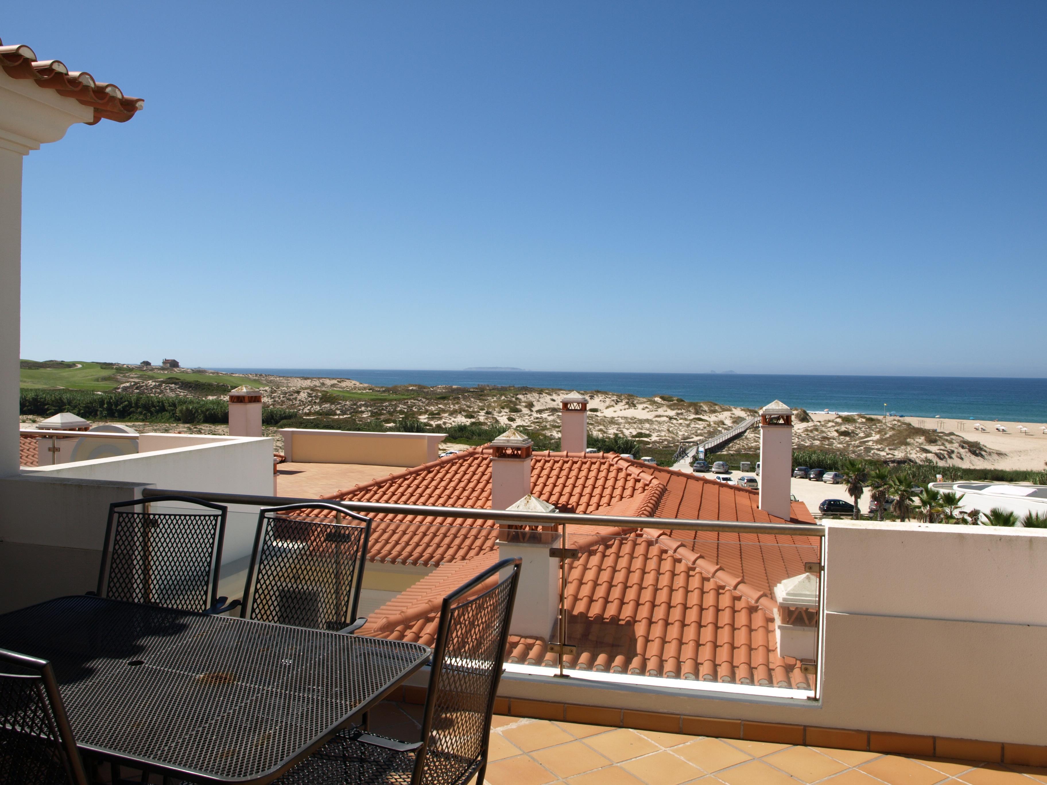 Praia Del Rey Property For Sale