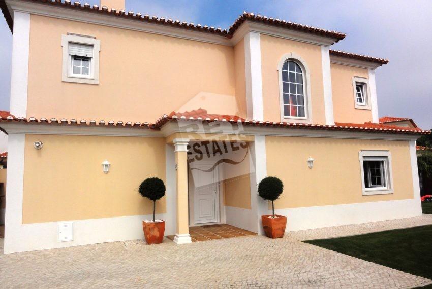 front of villa (2)