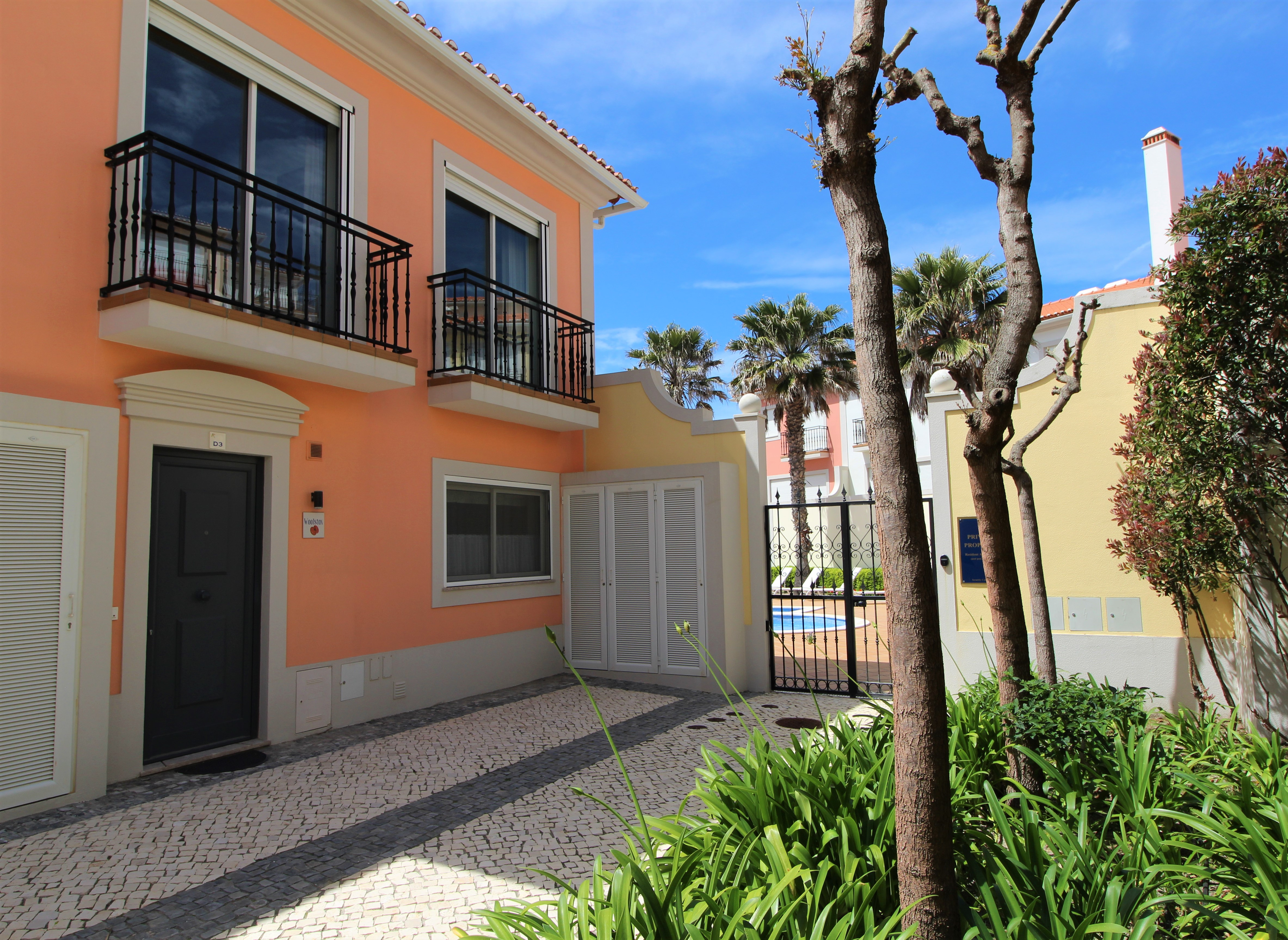 Vila da Praia, 463-D3
